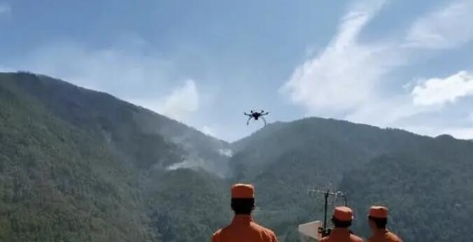 What are the Advantages of Using UAVs for Emergency Rescue?